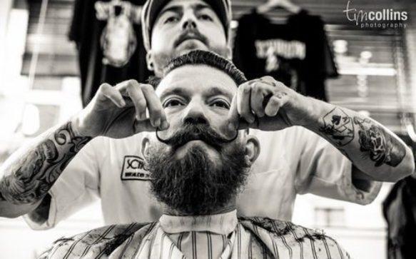 Barba e baffi si fanno vintage dal barber shop
