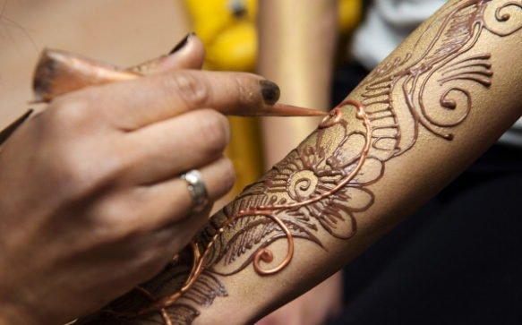 Il tatuaggio all'henné: spirituale e bellissimo