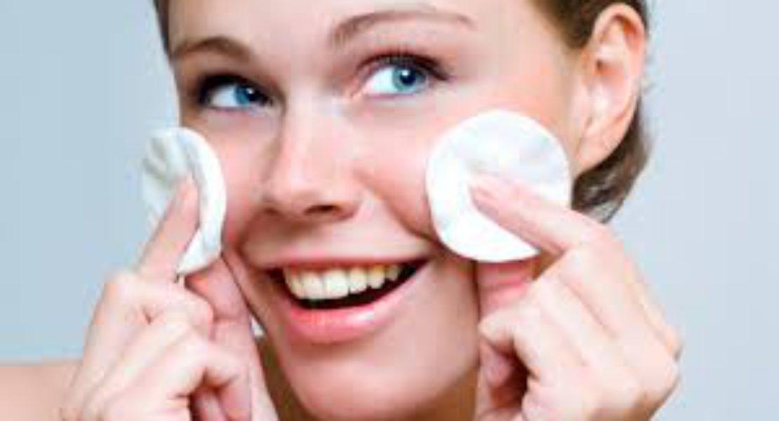Preparare la pelle al make up: la detersione