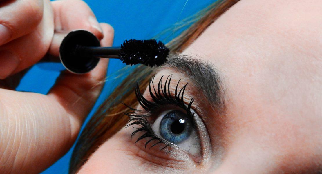 Mascara nero: un must-have del beauty case