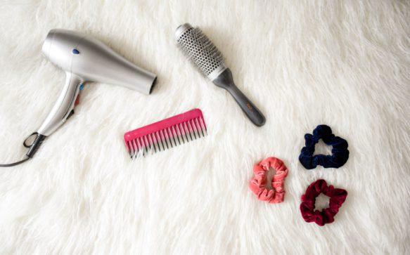 Come pulire phon e piastra per capelli correttamente.
