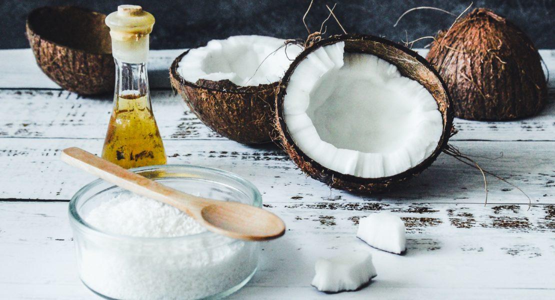 Olio di cocco: super alleato di bellezza
