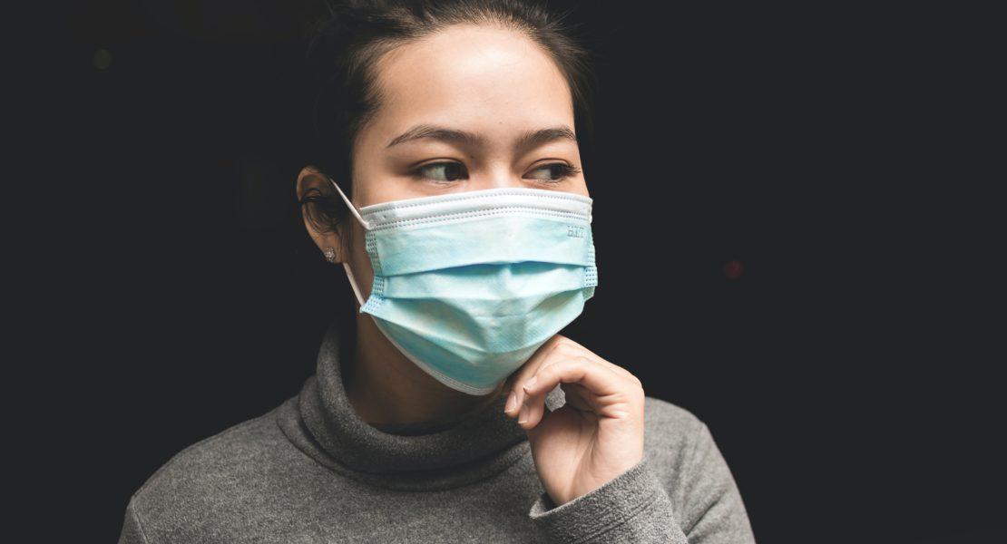 Pettinature da quarantena: i capelli al tempo della mascherina
