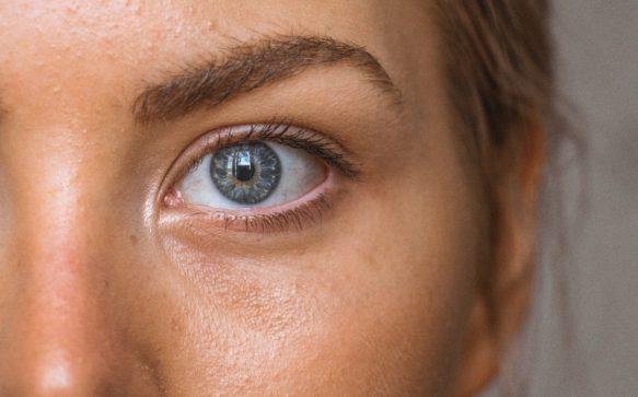 Primer occhi e labbra: completiamo la base del nostro make up