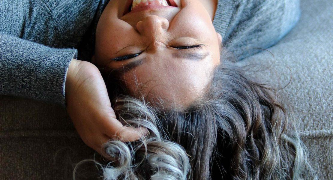 Smettere di tingere i capelli: ecco come fare